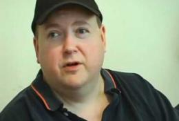 Zoom sur Hal Lubarsky, un joueur de poker aveugle